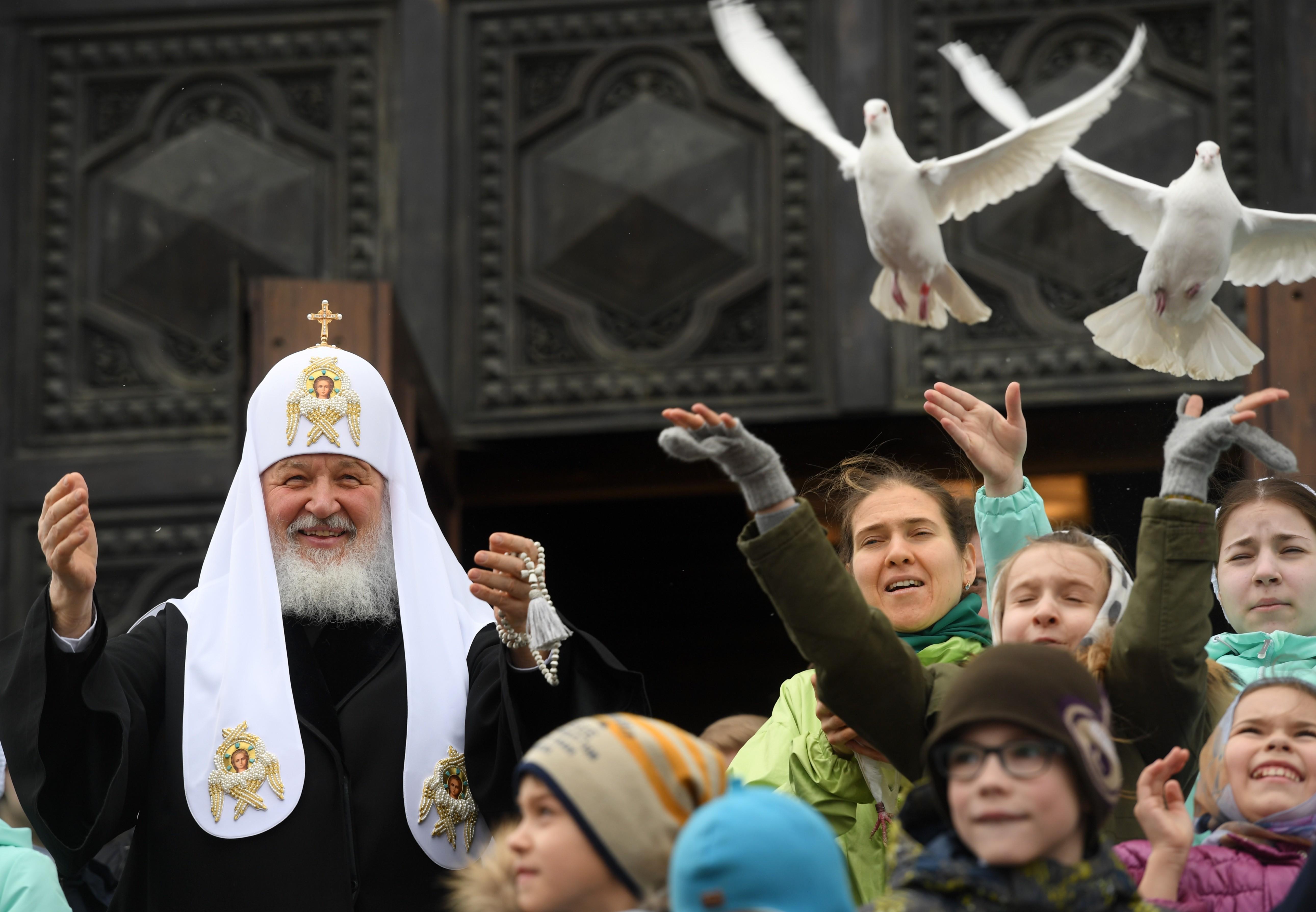 Богослужение в Страстную субботу в храме Христа Спасителя. Фото: © РИА Новости / Евгений Биятов