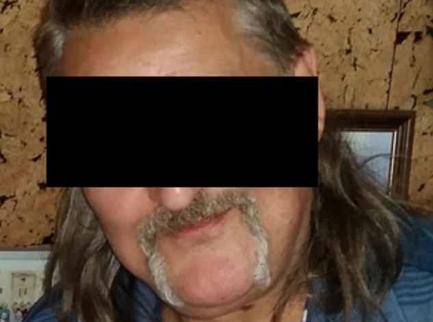 Проститутка зарезала снимите девочки трусы