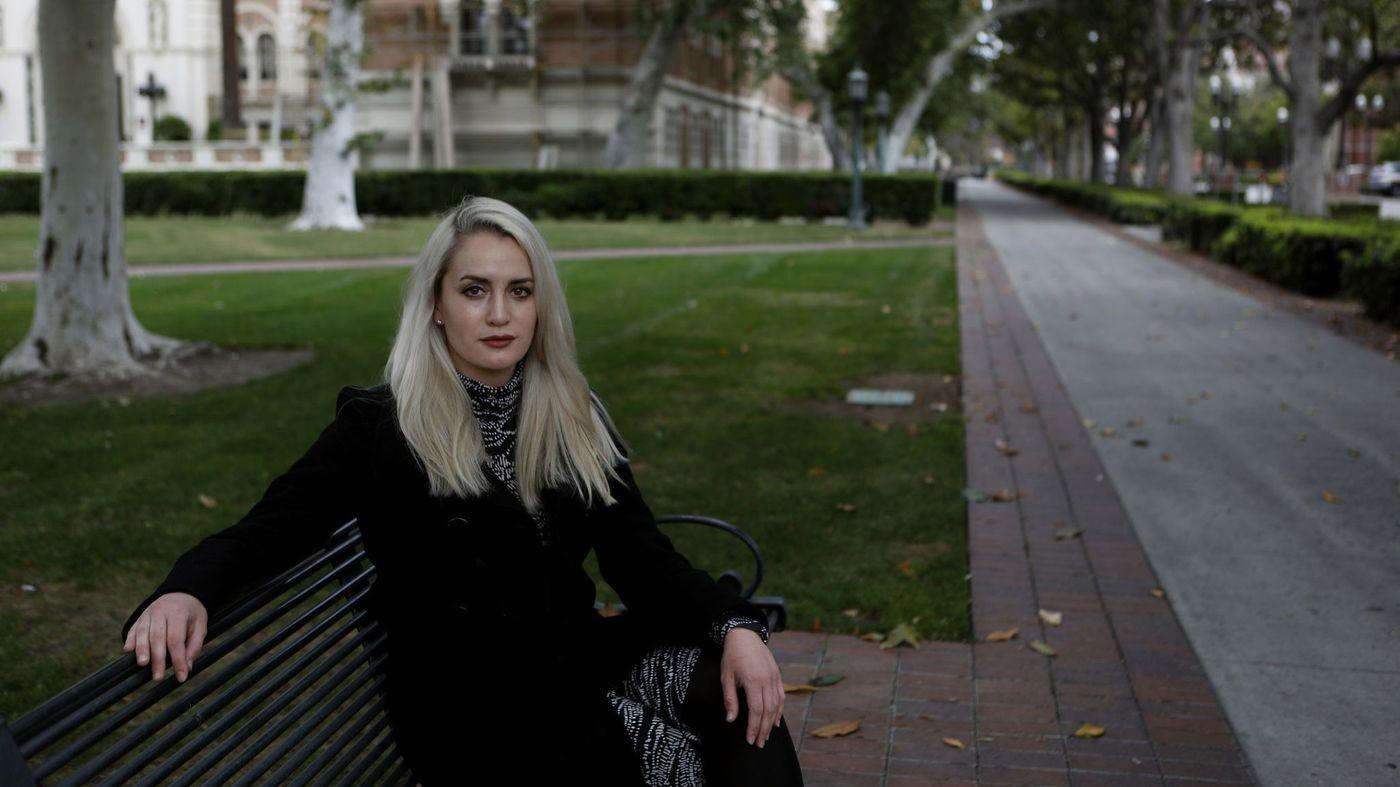 Фото © Los Angeles Times / Одна из пострадавших