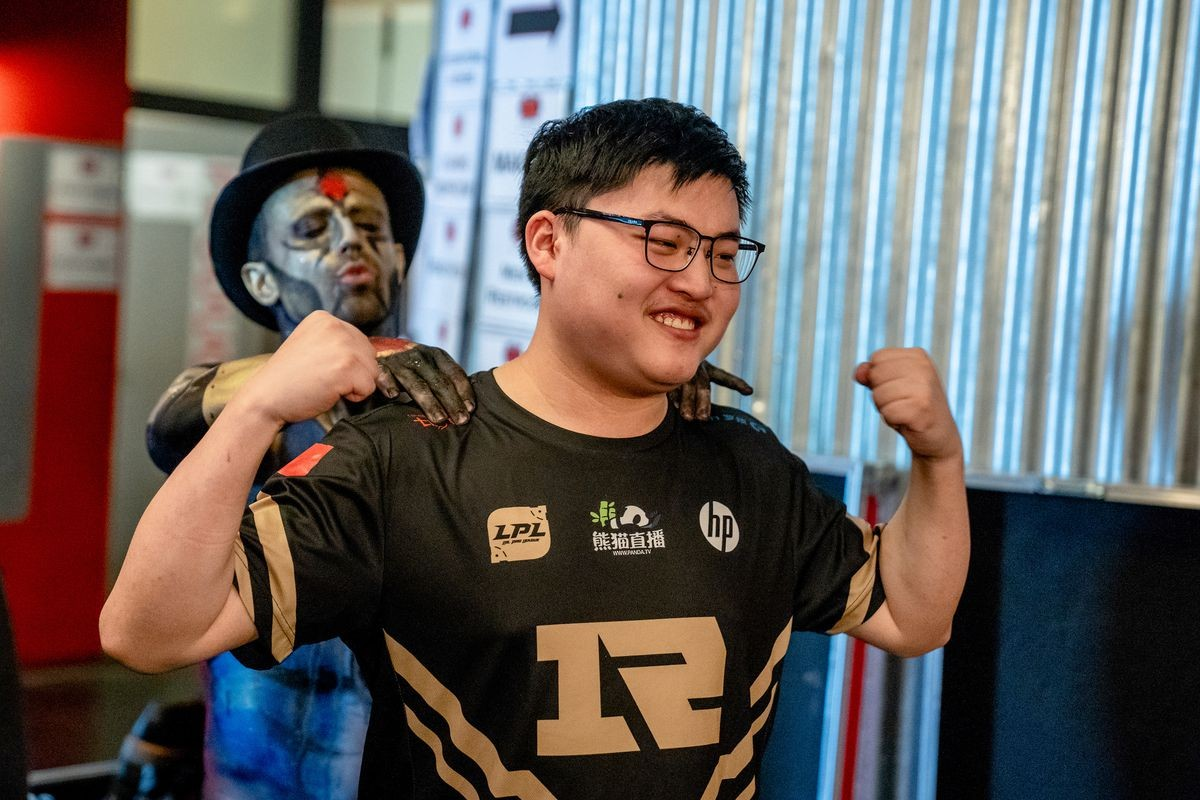 """<p>Фото &copy; <a href=""""https://dotesports.com/league-of-legends/news/uzi-reportedly-reaches-8-mill-viewers-stream-24117"""" target=""""_blank"""">Dot Esports</a></p>"""