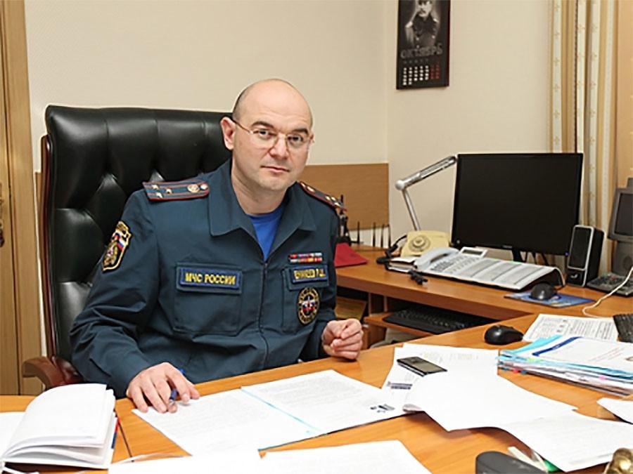 Главный госинспектор РФ по пожарному надзору Ринат Еникеев. Фото: © mchs.gov.ru
