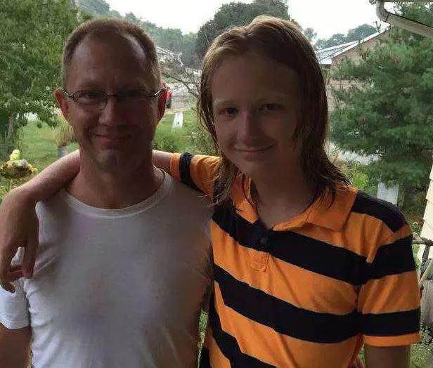 Фото © Соцсети. Джейкоб и его отец Дэвид