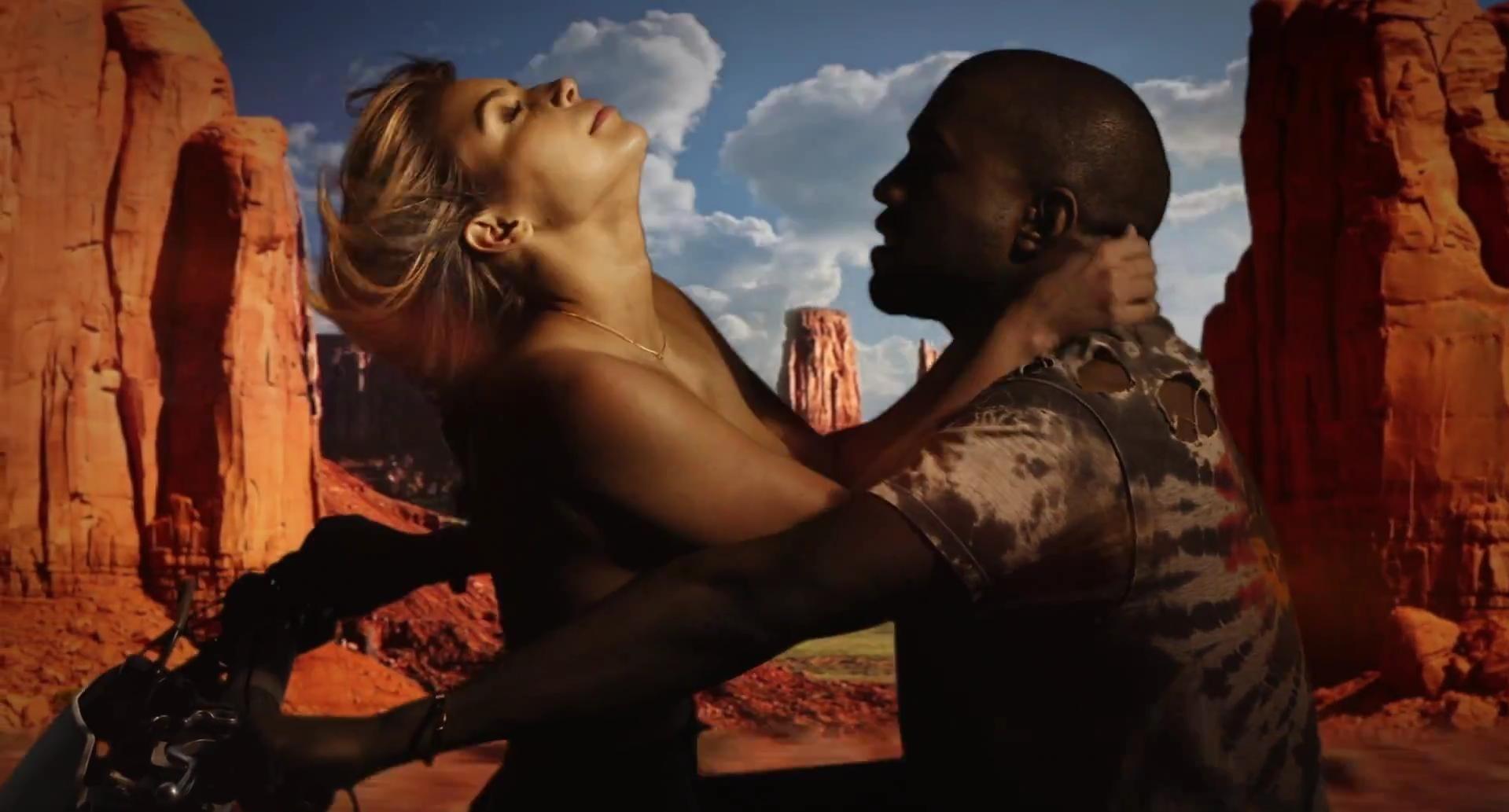 "Кадр из клипа ""Bound 2"" @ YouTube/KanyeWestVEVO"