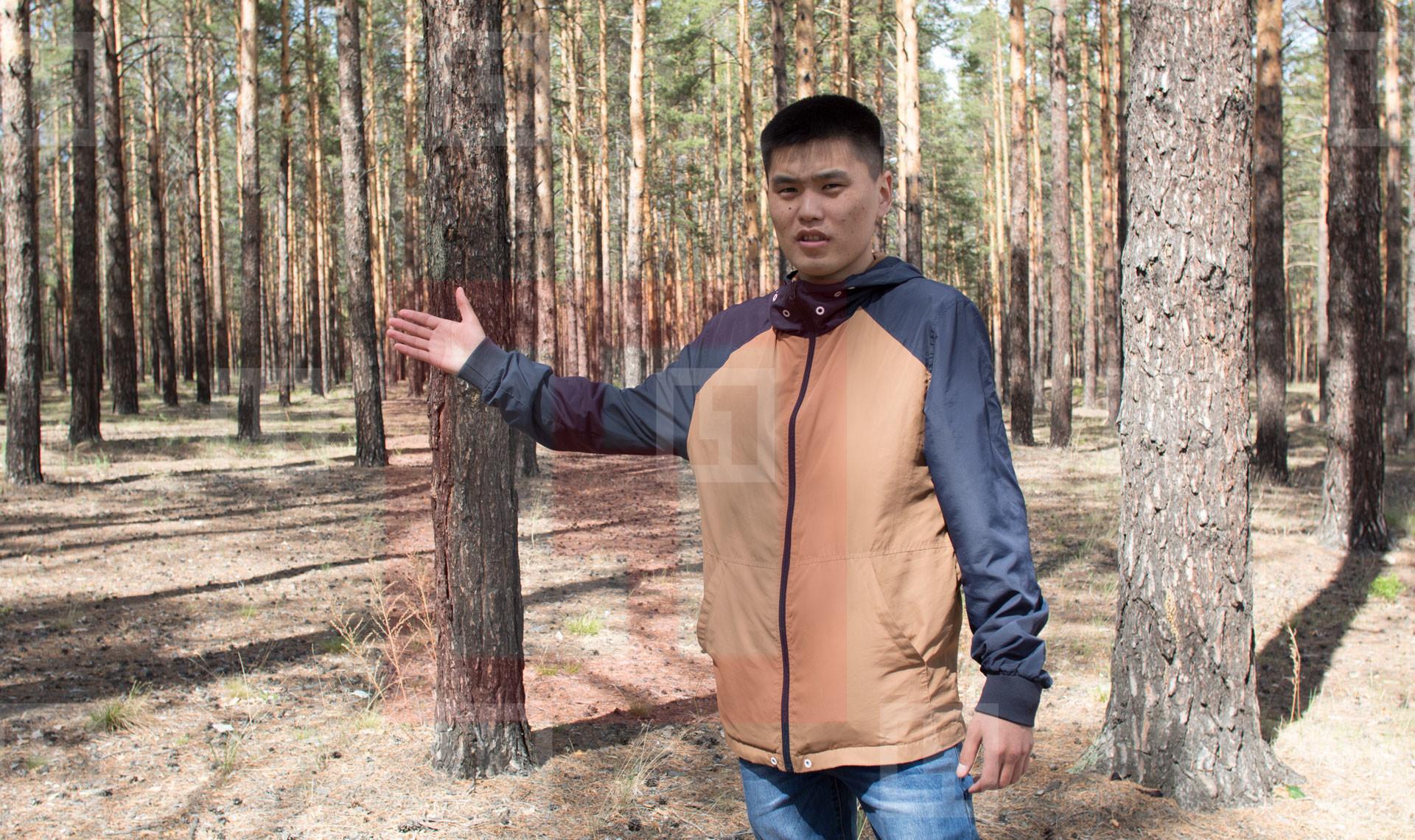 Один из организаторов митинга в знак протеста против вырубки леса в Закаменском районе — Баясхалан Дансарунов. Фото: © L!FE