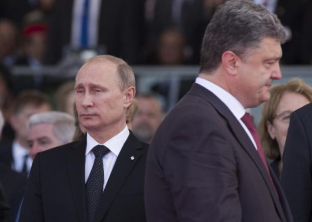 <p><span>Владимир Путин (слева), Пётр Порошенко (справа). Фото: &copy;РИА Новости/Сергей Гунеев&nbsp;</span></p>