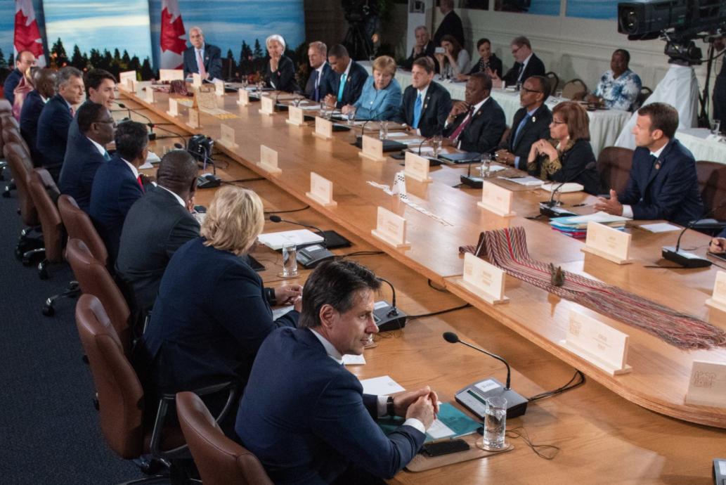 "<p>Фото &copy; Twitter/<a href=""https://twitter.com/g7"" data-user-id=""3191500397"">G7 Canada&rlm;</a></p>"