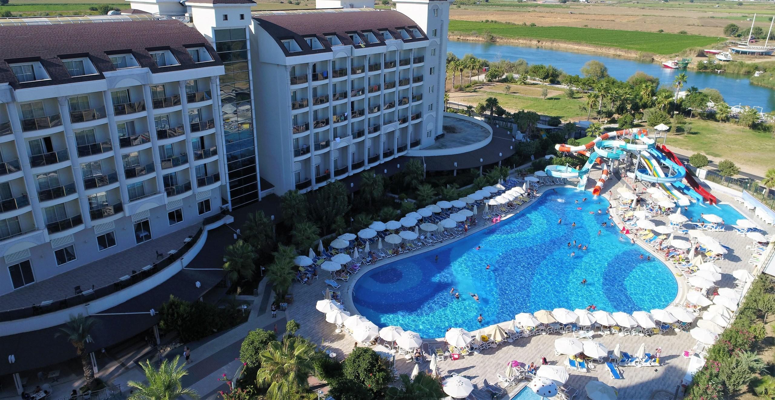<p>Фото: &copy; vk.com/lrshotels</p>