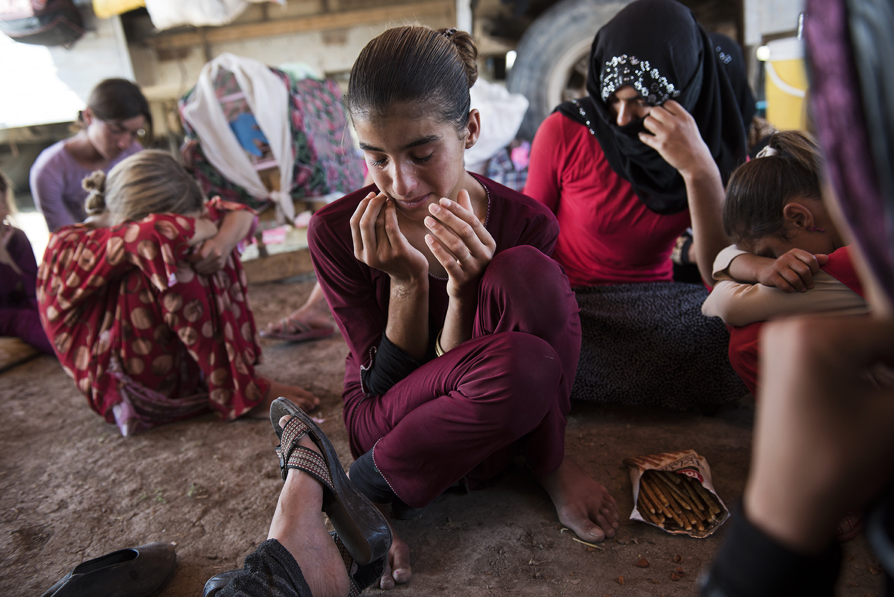 рабство в наше время фото девочка персиками