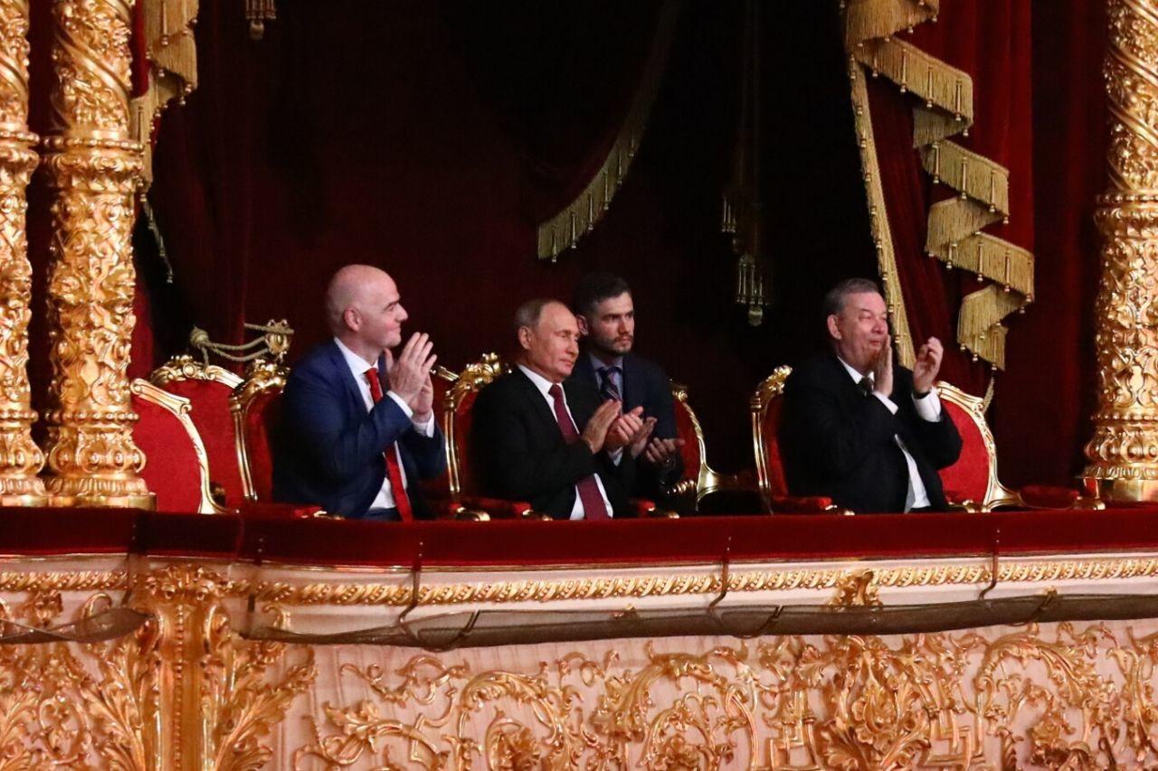 <p>Джанни Инфантино и Владимир Путин в Большом театре. Фото: &copy;&nbsp;L!FE/Андрей Тишин</p>
