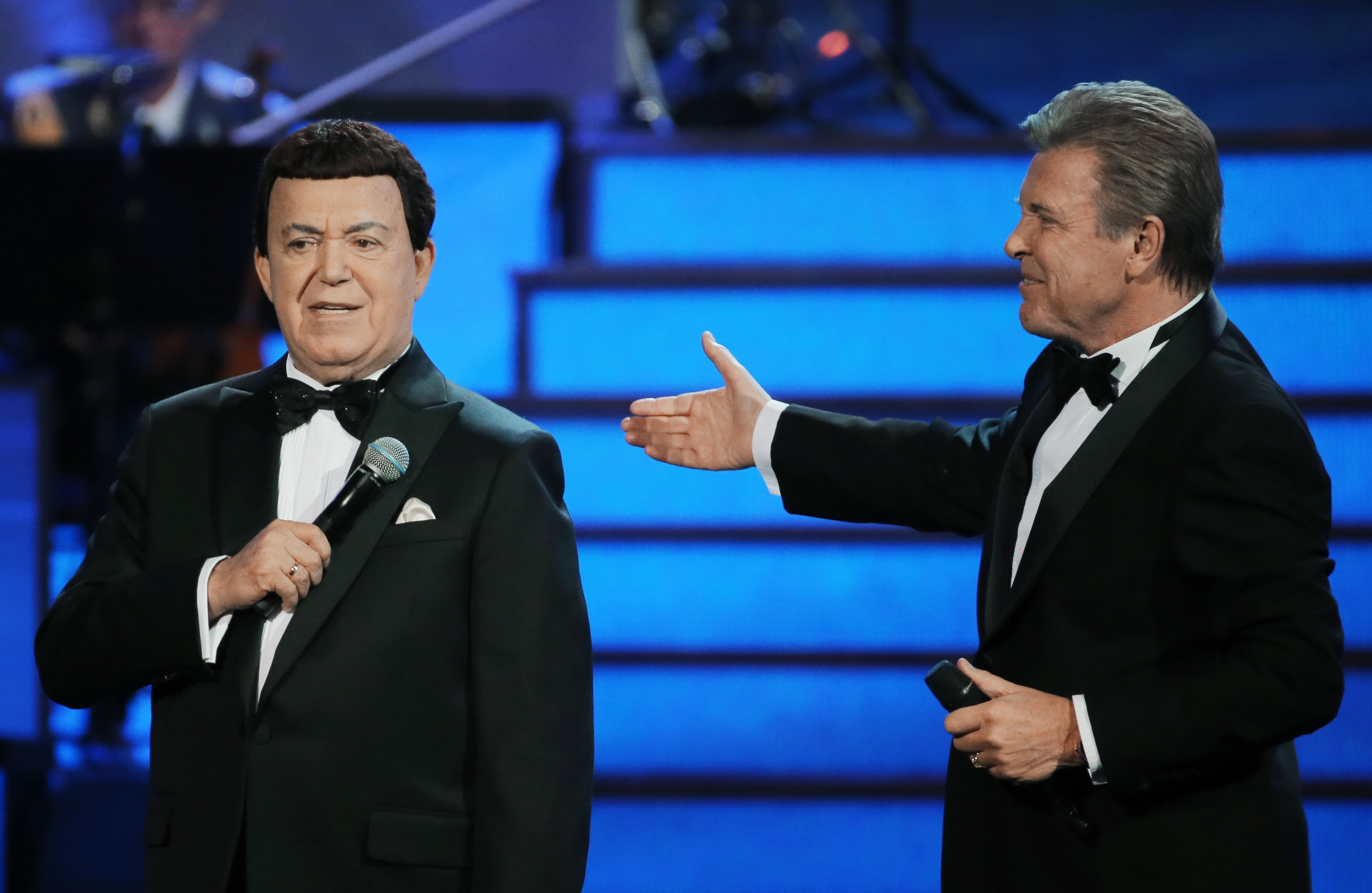 <p>Иосиф Кобзон и Лев Лещенко на концерте в Кремле.&nbsp;</p> <p><span>Фото: &copy; РИА Новости/</span><span>&nbsp;</span>Виталий Белоусов&nbsp;</p>