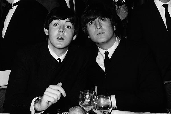Фото © Соцсети. Пол Маккартни и Джон Леннон