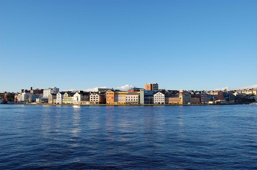 Кристиансунн. Фото: © Wikimedia Commons/Harald Oppedal
