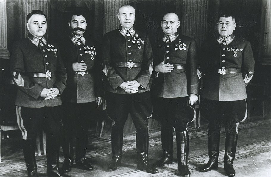 Маршалы Сталина (Григорий Кулик второй справа. Фото: © feldgrau.info