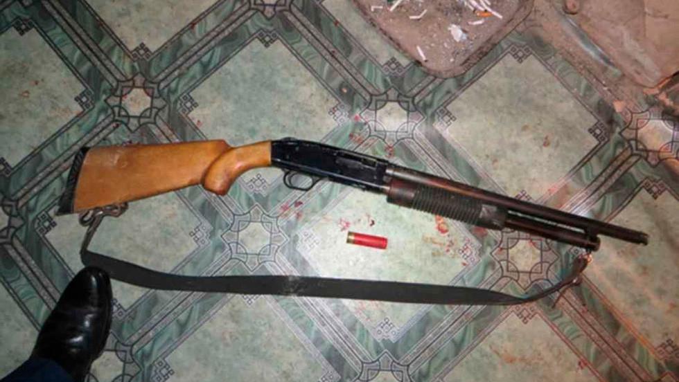 Охотничье ружьё, из которого Александр Григорьев расстрелял напавших на его дом. Фото: © L!FE