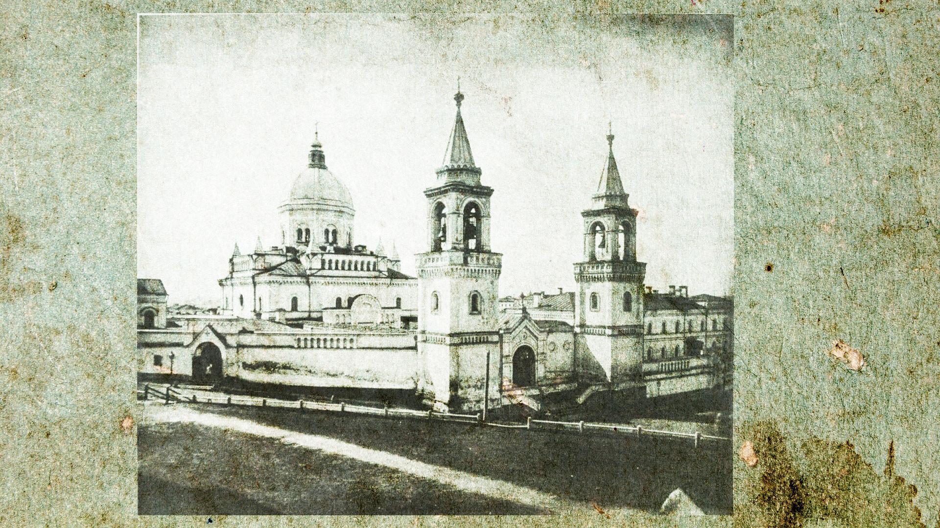 Иоанно-Предтеченский женский монастырь, в который заключили Дарью Салтыкову. Коллаж © L!FE. Фото: © wikipedia.org