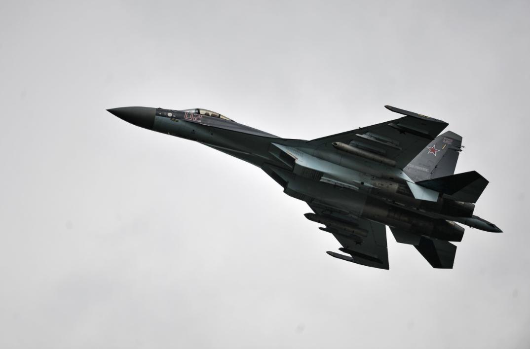 <p>Самолет Су-35. Фото: &copy; РИА Новости/Владимир Астапкович</p> <div> <div></div> </div> <div> <div></div> </div>