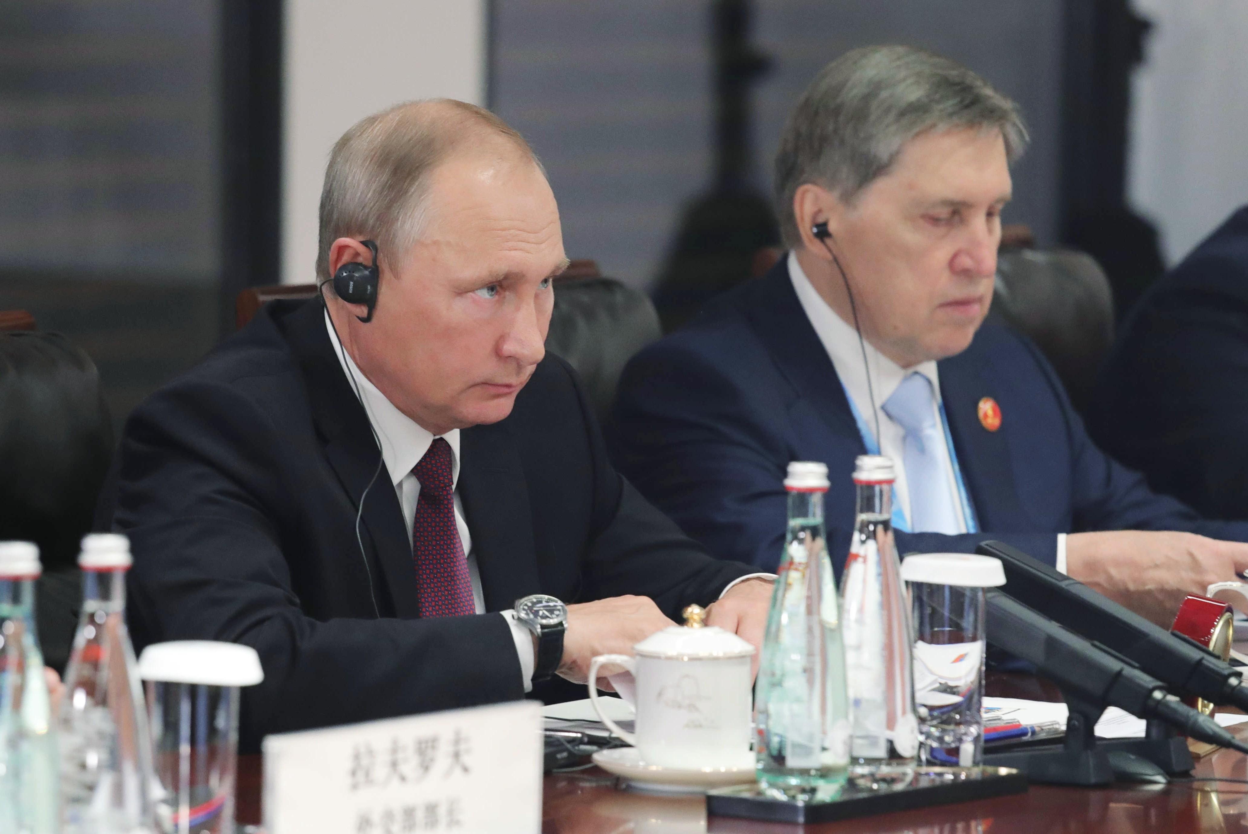 <p>Владимир Путин и Юрий Ушаков. Фото: &copy;РИА Новости/Михаил Климентьев</p>