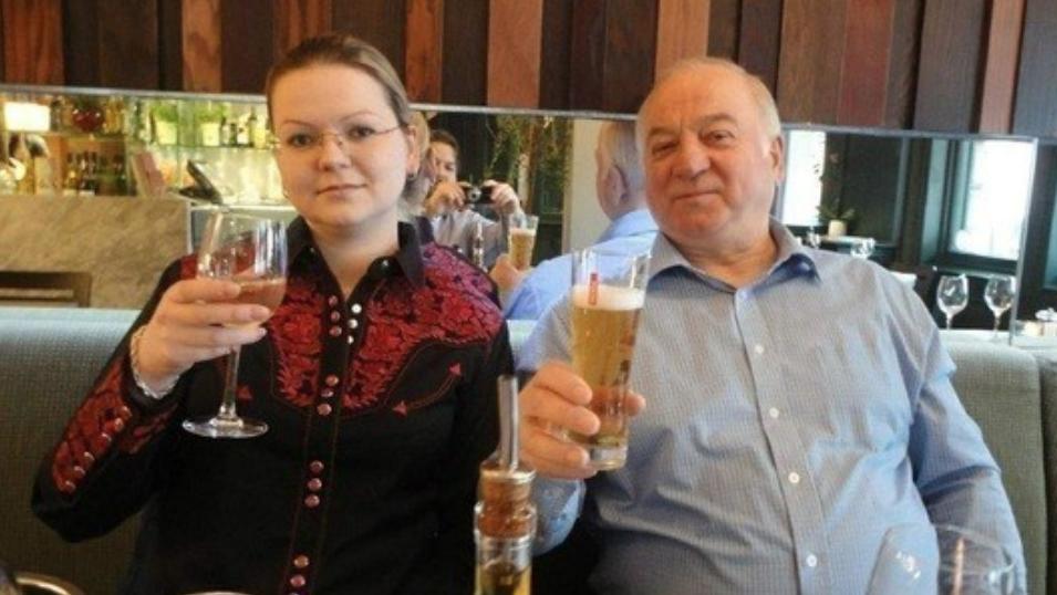 <p><span>Сергей Скрипаль и его дочь Юлия. Фото: globallookpress.com</span></p> <div> <div></div> </div>