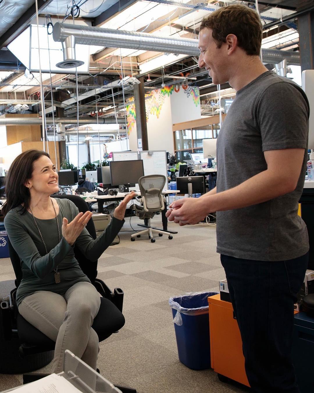 Марк Цукерберг и исполнительный директор Facebook Шерил Сэндберг. Фото: © Instagram/zuck