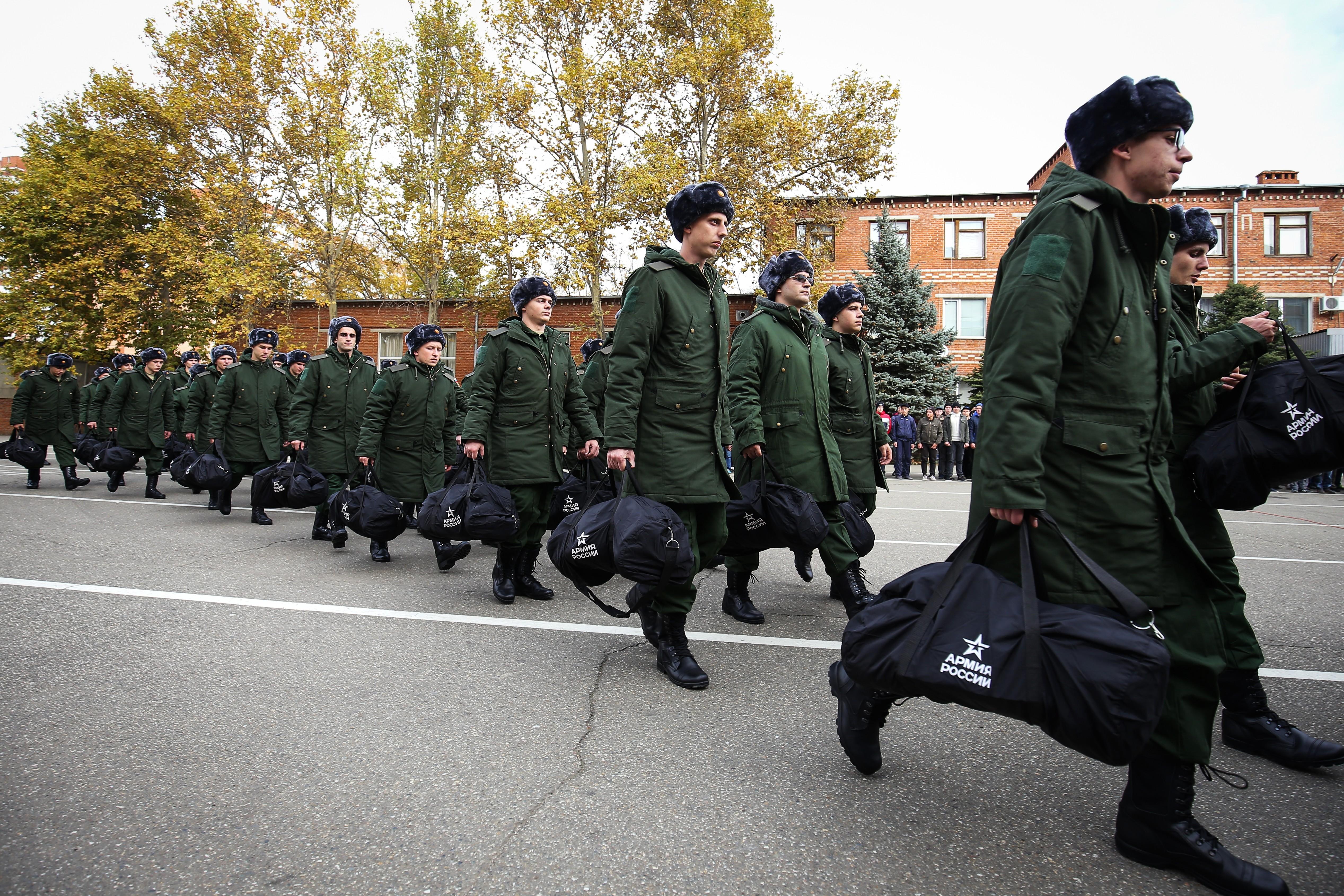 <p>Призывники на сборном пункте в Краснодаре. Фото: &copy;РИА Новости/Виталий Тимкив&nbsp;</p>