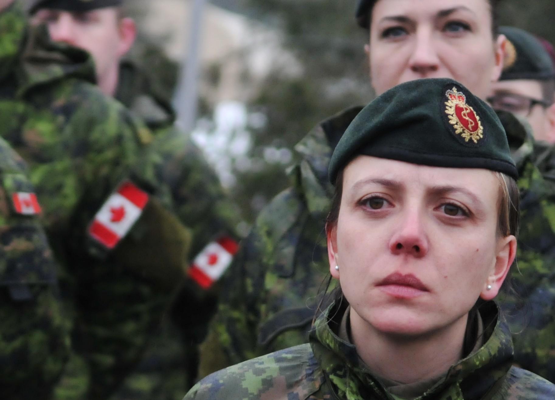 <p>Канадские военные инструкторы во время подготовки подразделений украинской армии. Фото:&copy;РИА Новости</p>