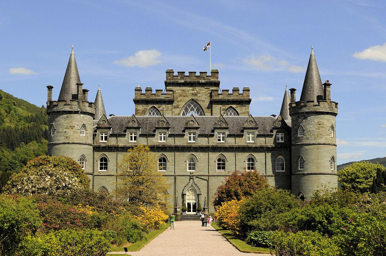 Замок Инверари. Поместье рода Кэмпбеллов. Фото: © Википедия
