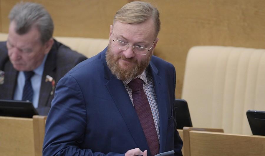 """""""За скидки на услуги ЖКХ"""". Милонов предложил привлекать горожан к уборке снега"""