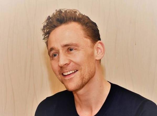 "<p>Актёр Том Хиддлстон. Фото: &copy; Facebook/<a href=""https://www.facebook.com/twhiddleston/photos/a.418737464836711/1340394346004347/?type=1&amp;theater"">Tom Hiddleston</a></p>"