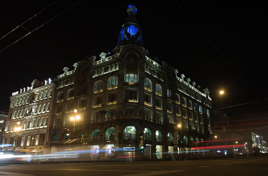 "<p><span>Дом Зингера, где располагается офис ""В Контакте"". </span></p> <p><span>Фото: &copy; РИА Новости/ Игорь Руссак</span></p>"