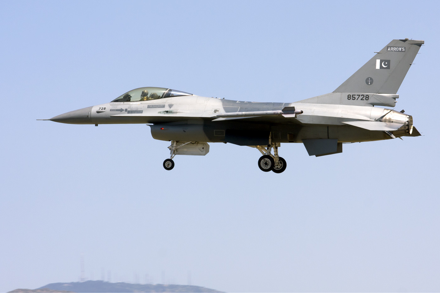 """<p><strong>F-16A Pakistan. Фото: © Flickr/</strong><a href=""""https://www.flickr.com/photos/109661044@N07/32109632330/in/photolist-co8Rd-9GWJXY-QVqg1w-9qLZe2"""" target=""""_self""""><strong>Rob Schleiffert</strong></a></p>"""
