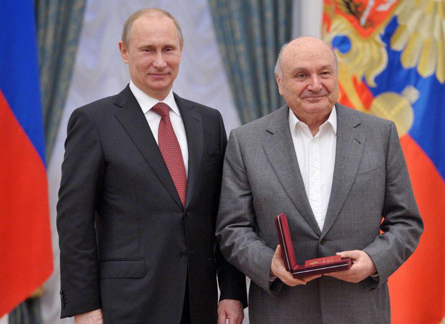 <p>Владимир Путин и Михаил Жванецкий. Фото: © РИА Новости/Алексей Никольский</p>