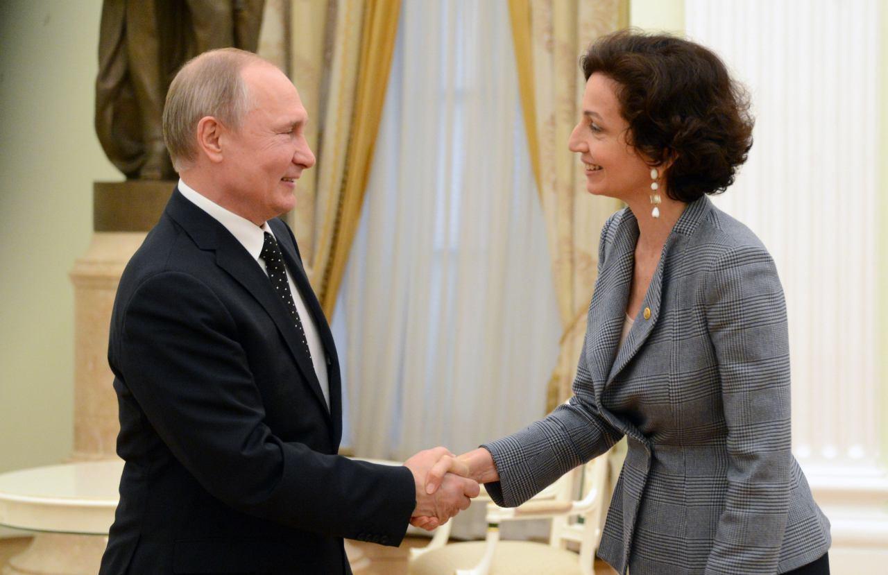 <p>Владимир Путин и Одре Азуле. Фото: © L!FE/Павел Баранов</p>