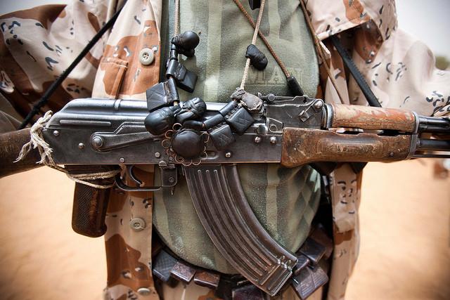 """<p><strong>Фото: © Flickr/</strong><a href=""""https://www.flickr.com/photos/unamid-photo/7822173680/in/photolist-cVdFHs-j9kqEM-57cyZA-63Ccvg-63Ccwk-Kd4o7x-6z8afa-PD1jRB-irXqM2-Urzxr1-cHAUVy-a1NXYL-eorheo-eYLx1q-bu2sLo-9rnfTj-ZjuYbs-aFbFf9-RpWTh2-enRxLp-9rnssE-enRu8c-ZCVrzA-c8h6t3-enRzKD-jLnVBz-67ptkq-8vxYm3-cVdF8o-gwFLVQ-79vdnm-67p181-gwGRQL-57cCXN-cQP27G-9Wn2QK-8uKN4r-67p863-578aLk-7JBuMK-E1Jjjp-22MC39v-enRRD6-9rno5C-cEumff-925gTX-eorejS-7krUGG-diX4sC-nu6LVV"""" target=""""_self"""">UNAMID</a></p>"""