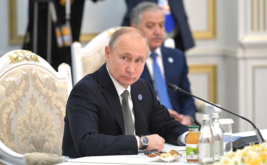 "<p>Владимир Путин. Фото © <a href=""http://kremlin.ru/events/president/news/60749/photos/59523"" target=""_self"">Kremlin.ru</a></p>"
