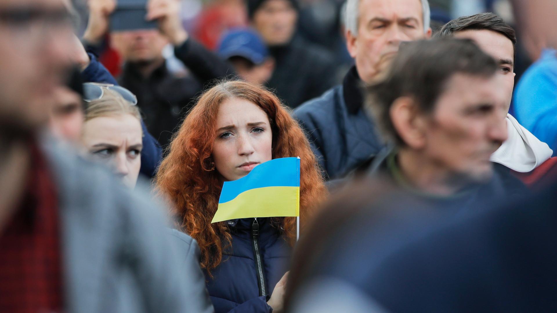 «Мы бухнулись на дно, там РФ нас точно не достанет»: украинцы о весёлой жизни в стране