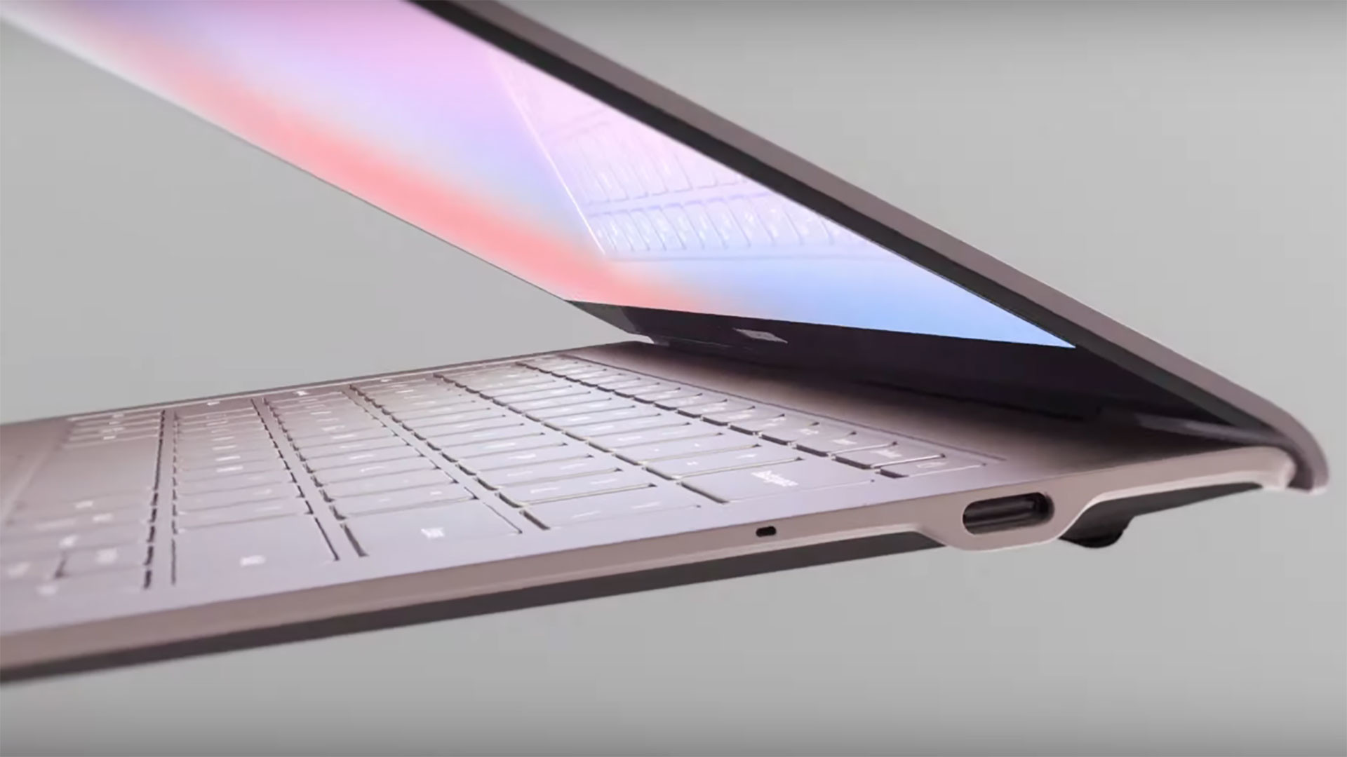 "<p>Кадр <a href=""https://www.youtube.com/watch?v=JiGkOVG73kc"" target=""_self"">видео </a>© <a href=""https://www.youtube.com/watch?v=JiGkOVG73kc"" target=""_self""><strong>Samsung</strong></a></p>"