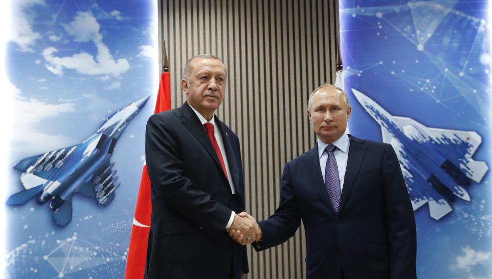 <p>Президент Турции Реджеп Эрдоган и глава России Владимир Путин. Фото © EPA / MAXIM SHIPENKOV / ТАСС</p>