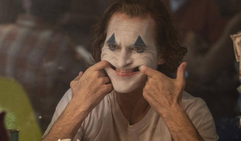 "<p>Кадр из фильма ""Джокер"". Фото © <a href=""https://www.kinopoisk.ru/picture/3414189/"" target=""_self"">Кинопоиск</a></p>"