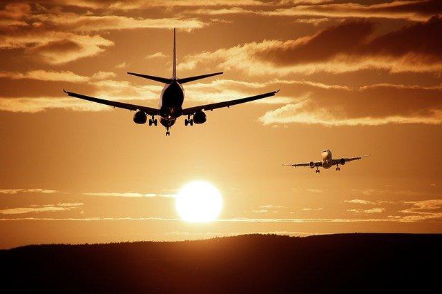 Россия с сегодняшнего дня ограничивает авиасообщение с Турцией и Танзанией