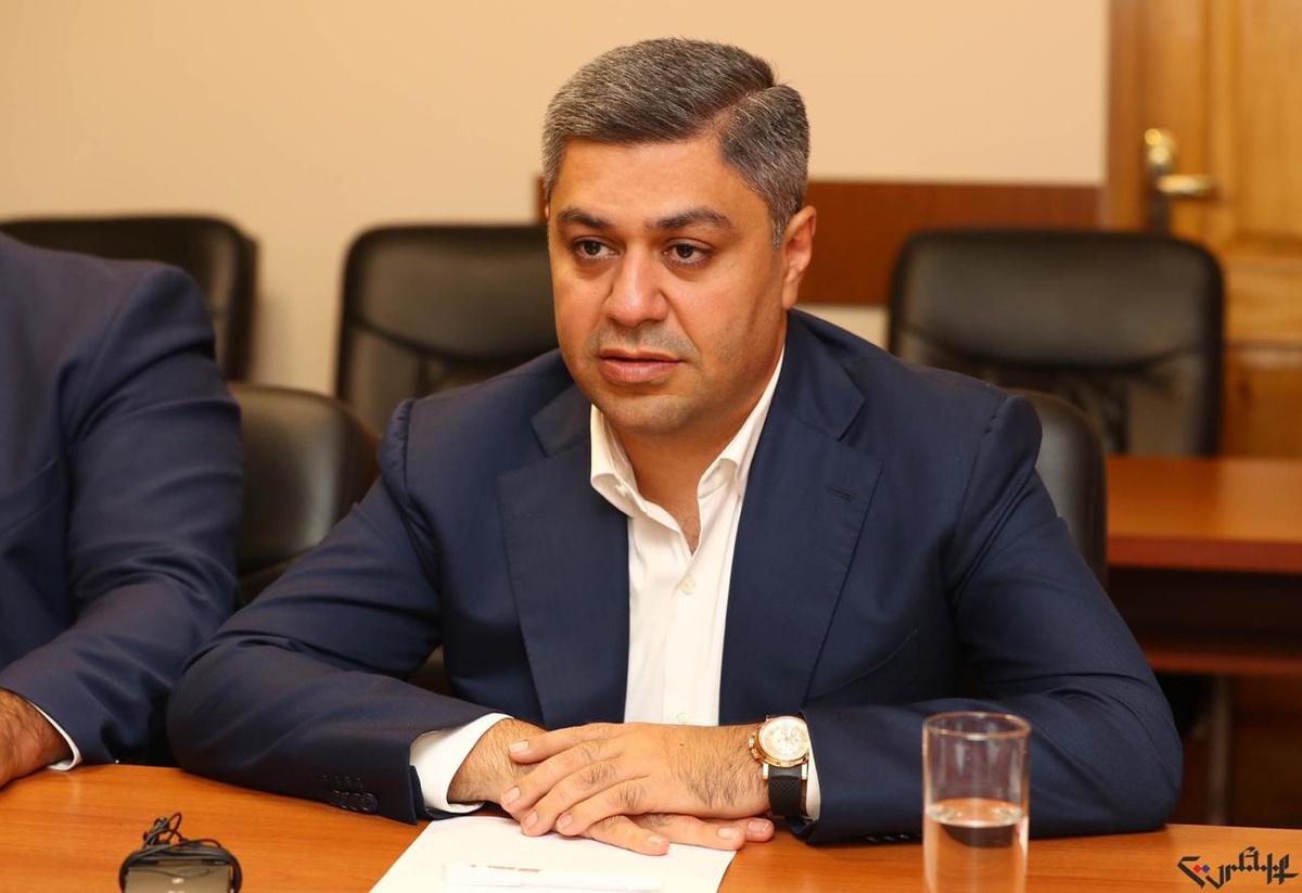 Экс-главе СНБ Армении предъявлено обвинение понескольким статьям