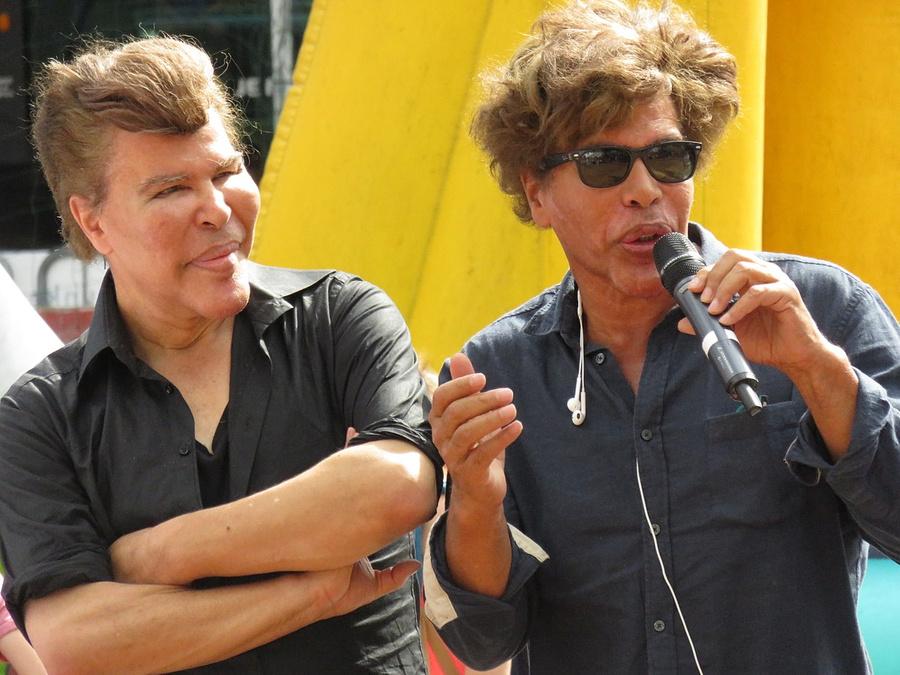 Игорь и Гришка Богдановы. Фото © Wikimedia Commons