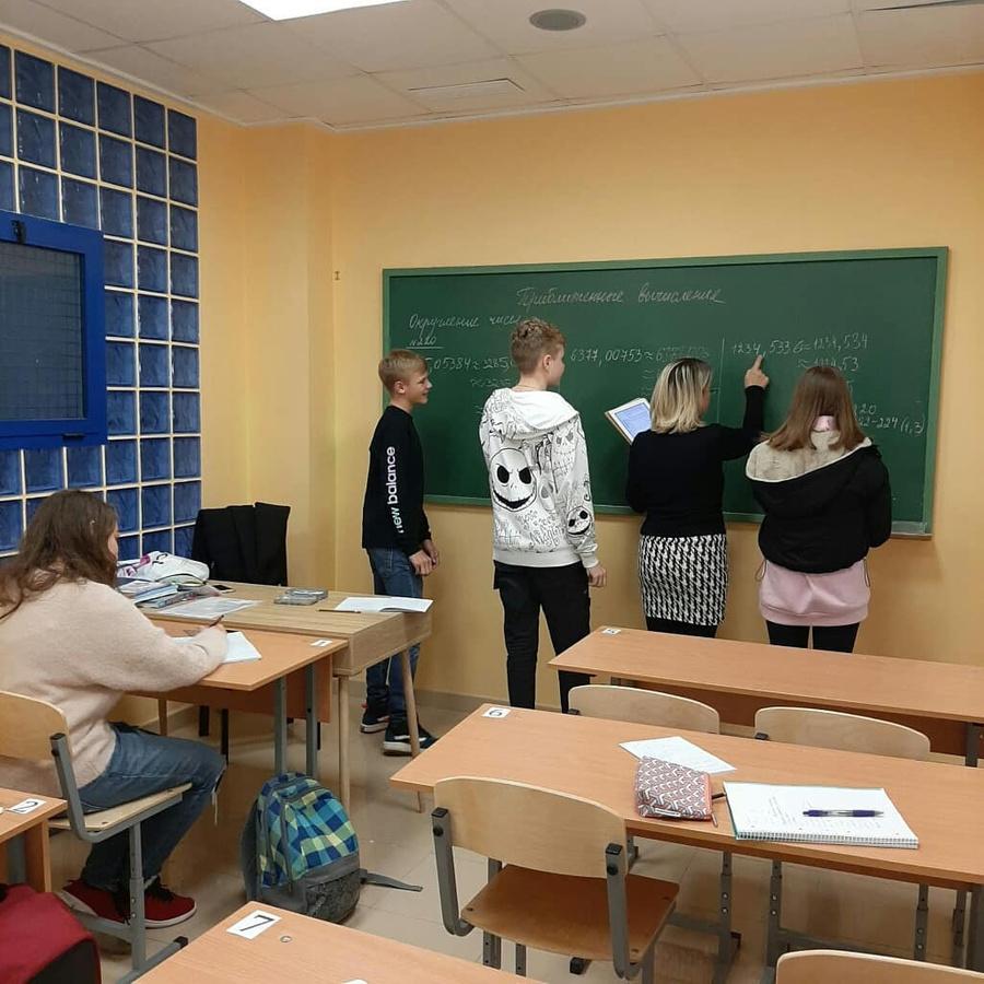 Фото © Facebook / Школа N1 города Торревьеха, Испания
