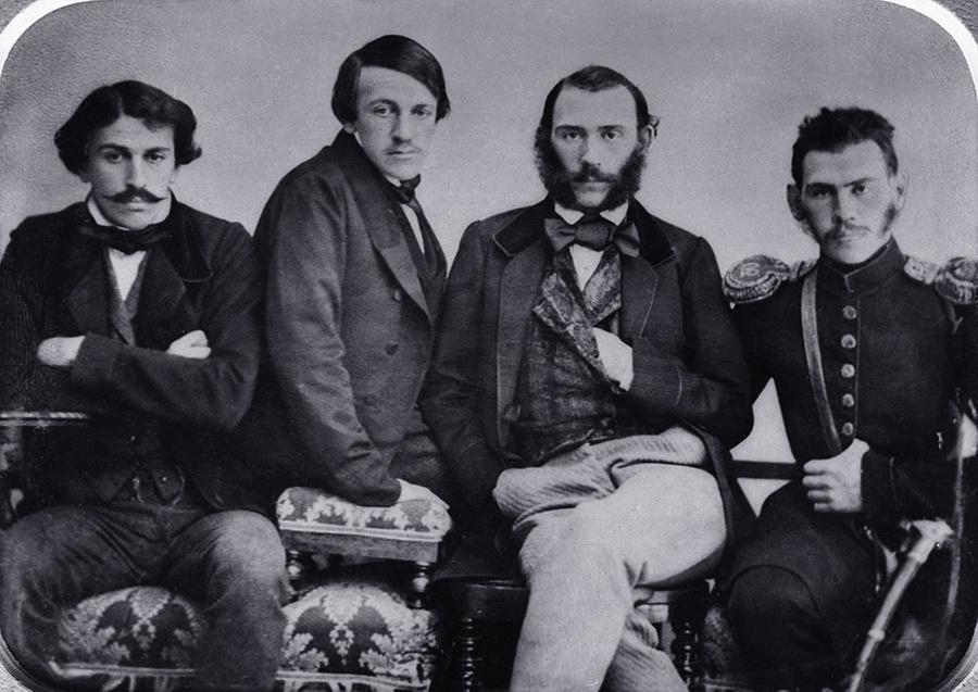 Братья Сергей Николаевич, Николай Николаевич, Дмитрий Николаевич и Лев Николаевич Толстые (слева направо). Репродукция. Фото © ТАСС