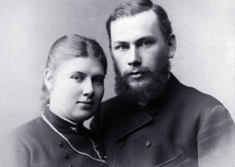 Писатель Лев Толстой с супругой Софьей Толстой. Фото © ТАСС / Эйхенвальд А.