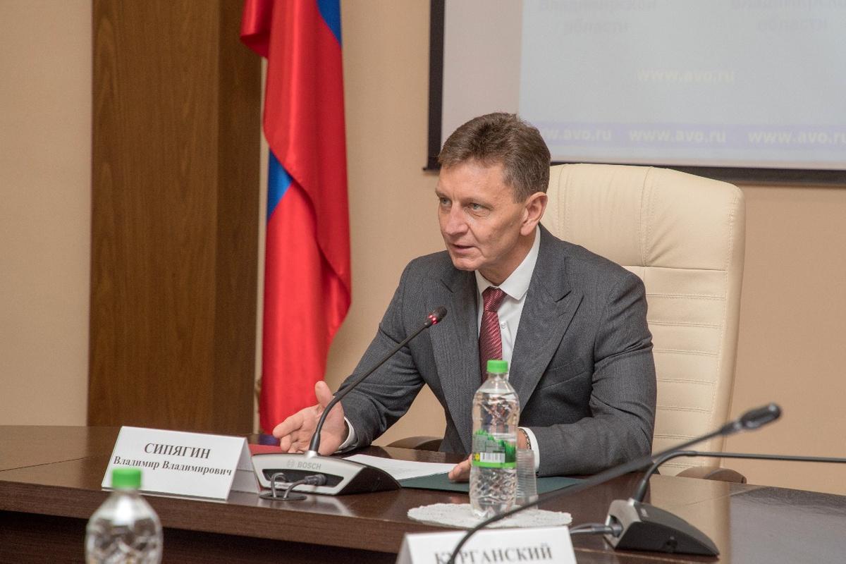Глава Владимирской области выписался из московской клиники, где лечился от коронавируса в вип-палате