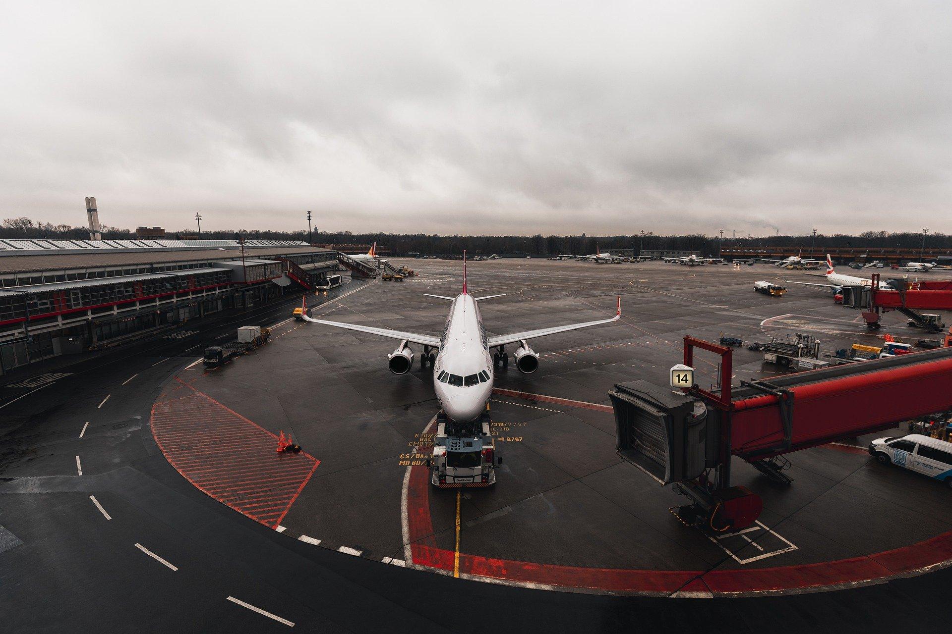 Рейс из Москвы в Китай отменили из-за 190 пассажиров с одинаковыми тестами на коронавирус
