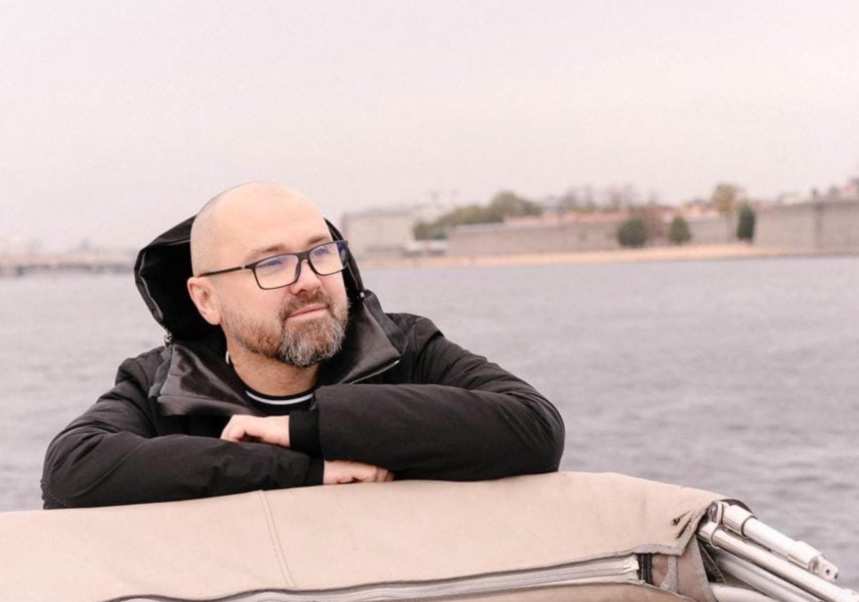Бывший мэр Архангельска решил создать фонд по борьбе с малярией в память о погибшем сыне