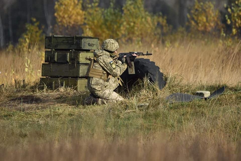 Украинский военный избил, ограбил и поджёг сослуживца