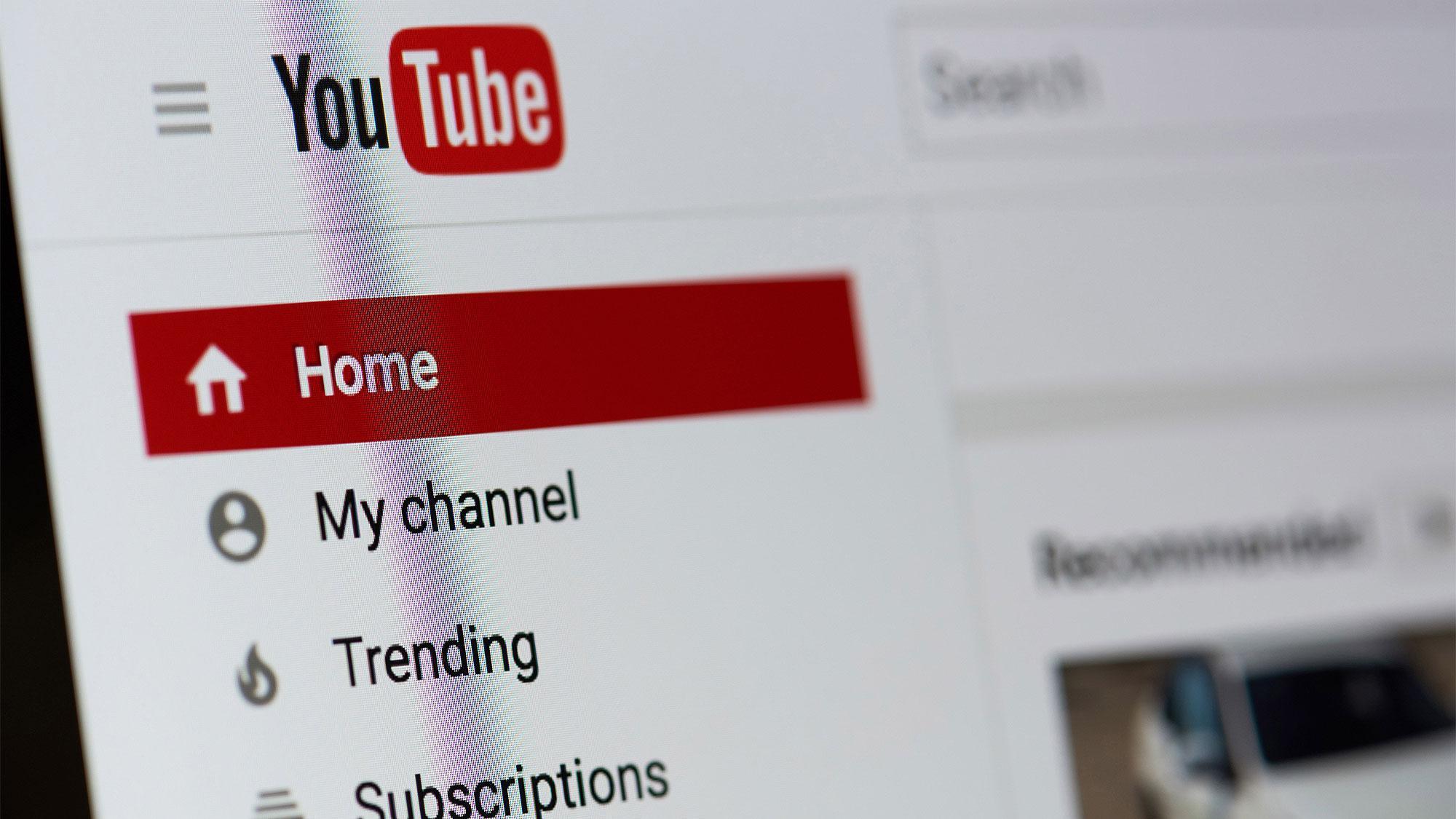 Роскомнадзор попросил IT-компании создать отечественные аналоги YouTube