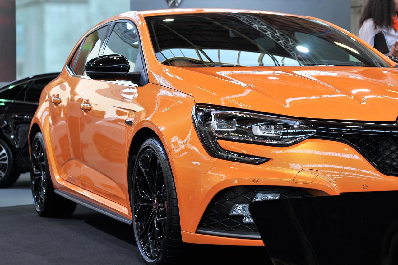 Дилеры рассказали, как долго в России может продлиться дефицит новых автомобилей